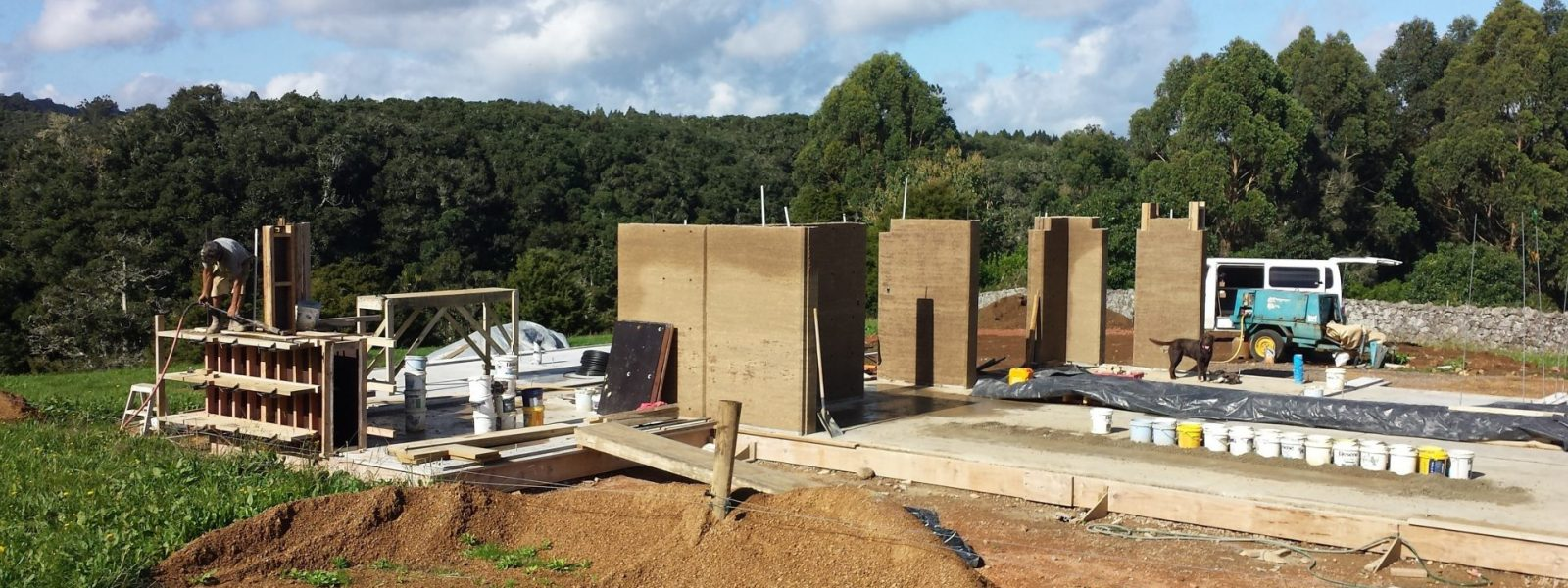How are rammed earth houses built? - Header Image